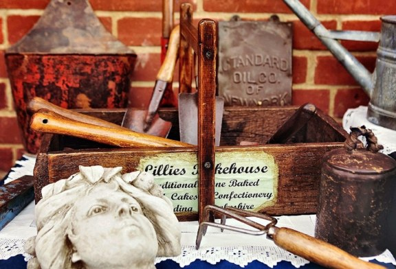 Lingfield Antiques, Collectables and Vintage Fair
